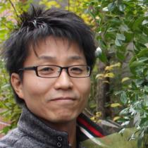 草野竹史(タケシ)2000年に参加したRISING SUN ROCK FESTIVALのボランティア活動をきっかけに活動を始め、2006年から代表理事を務める。